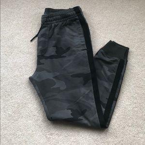 Abercrombie Grey Camo Sweatpant Jogger Size S Men